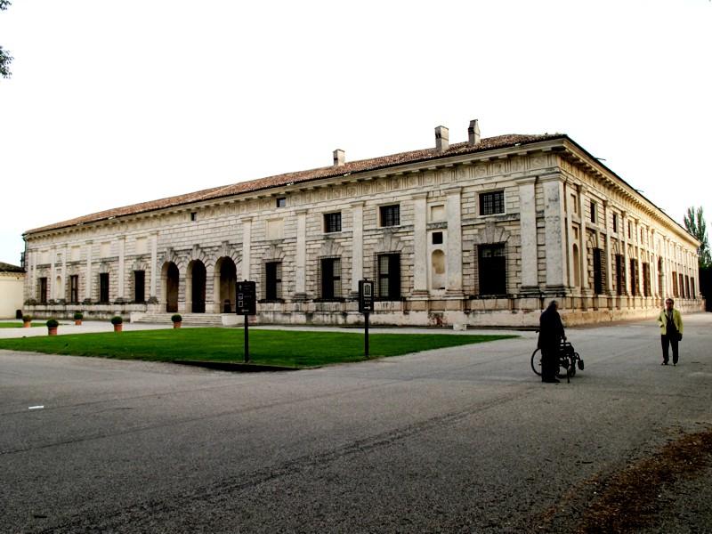 Mantova palazzo te - Pilozzo da esterno ...